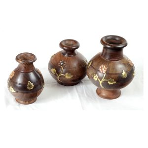 Arvi Sheesham wooden flower pot decor by Antikcart