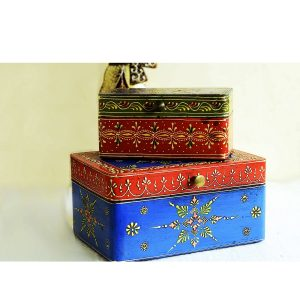 Chandramukhi Kundan Meenakari Work Ornament Box Set by Antikcart