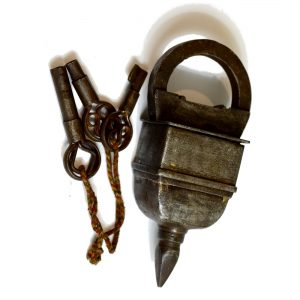 Antikcart Antique Brass Magic Lock with 3 Keys collectible