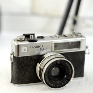 Antikcart Antique Vintage Camera Yashica MG-1 Model