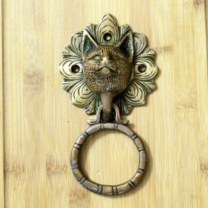 Antikcart Brass Carved Cat Face Door Knock