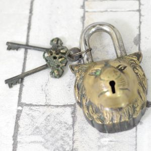 Antikcart Brass Lion Face Lock with Keys