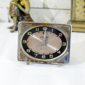 Antikcart Old Well Maintained Vikrant Ajantha Timepiece Clock