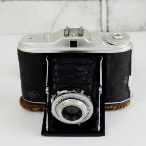 Antikcart Antique Camera - Agfa Isolette with original cover and lens