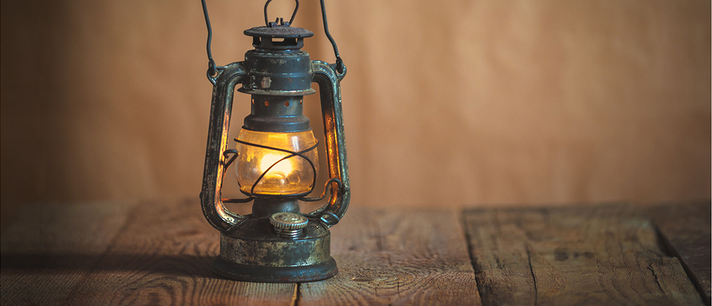 kerosene-lamp-antikcart-wallpaper