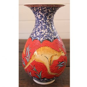 Antikcart Beautiful Handmade 'Big Red' Kangaroo Ceramic Vase