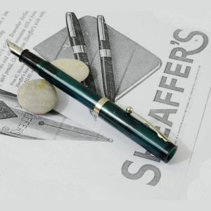 Vintage Sheaffer green fountain pen