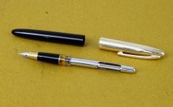 wingsung-233-fountain-pen-embedded-triumph-nib-vintage-NOS