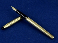 vintage-cross-century-USA-fountain-pen-10K-gold-filled-barrel-14Karat-solid-gold-Fine-nib