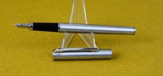 sheaffer-TRZ-fountain-pen-40-chrome-barrel-F-steel-nib-USA