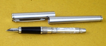 sheaffer-TRZ-vintage-fountain-pen-40-chrome-barrel-F-steel-nib-USA-1980s