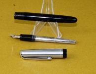 Aero-filler-fountain-pen-platignum-14K-gold-Fine-nib-england