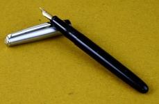 Aero-filler-fountain-pen-platignum-14K-gold-Fine-nib-england-made