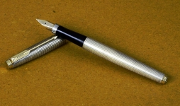 vintage-parker-75-sterling-silver-vermeil-23K-goldplated-fountain-pen-14K-solid-gold-M-nib