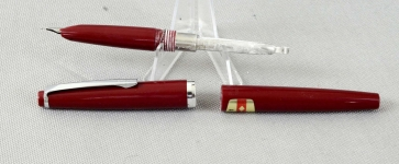 Pilot-super-55-aerometric-filler-fountain-pen-burgundy-barrel-M-steel-nib-Japan