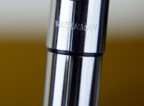 waterman-graduate-fountain-pen-bright-chrome-with-st-steel-Medium-nib-france