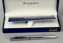 Waterman-graduate-chrome-fountain-pen-with-st-steel-Medium-nib