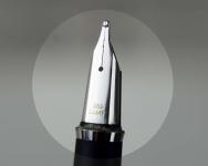 Vintage-lamy-81-piton-filler-fountain-pen-with-14C-585-platinum-B-nib