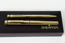 Vintage-Sheaffer-Targa-1005-Gold-Plated-fountain-14K-solid-gold-Broad-nib-with-box