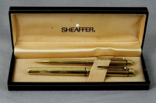 vintage-sheaffer-targa-1005-gold-plated-fountain-14K-solid-gold-B-nib
