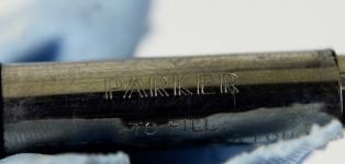 Vintage-parker-21-Aerometric-fountain-pen-with-steel-Medium-nib-USA
