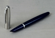 Vintage-Parker-21-Fountain-pen-steel-M-nib-USA