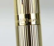 Vintage-Sheaffer-targa-fountain-pen-1005-Gold-Plated-barrel-14Kt-Solid-gold-Broad-nib