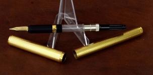 vintage-Dunhill-Montblanc-23K-barrel-14K-585-solid-gold-Broad-nib
