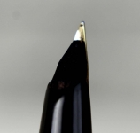 vintage-sheaffer-targa-1003-GP-matte-black-barrel-fountain-pen-14K-solid-gold-Fine-nib