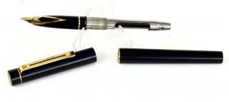 vintage-sheaffer-targa-1003-GP-black-barrel-fountain-pen-14K-solid-gold-Fine-nib-Australia