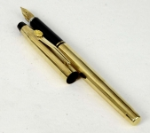 vintage-cross-century-classic-fountain-pen-14Karat-solid-gold-Fine-nib-USA