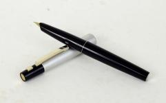 vintage-pilot-namiki-spring-clip-fountain-pen-14k-gold-F-nib-Japan
