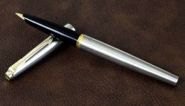 vintage-orginal-parker-45-flighter-steel-fountain-pen-with-14K-solid-gold-M-nib